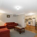 Cottage_lounge_area